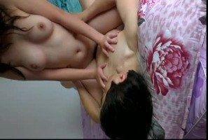 台湾素人情侣自拍无码做爱视讯影片遭骇外流!近拍全裸学生妹女友嫩鲍直接伸入抠穴,骑乘位无套狂摇直接幹到女友升天