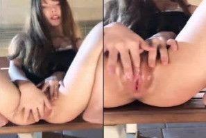 【羽沫】羽沫高铁臺中自拍性爱影片外流-自慰白虎无毛嫩穴近拍无码一览无遗