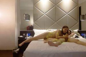丽江旅游认识的美眉绝世美B夏佳多P比看A片还兴奋