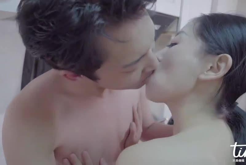 国産AV 水电工情难自制