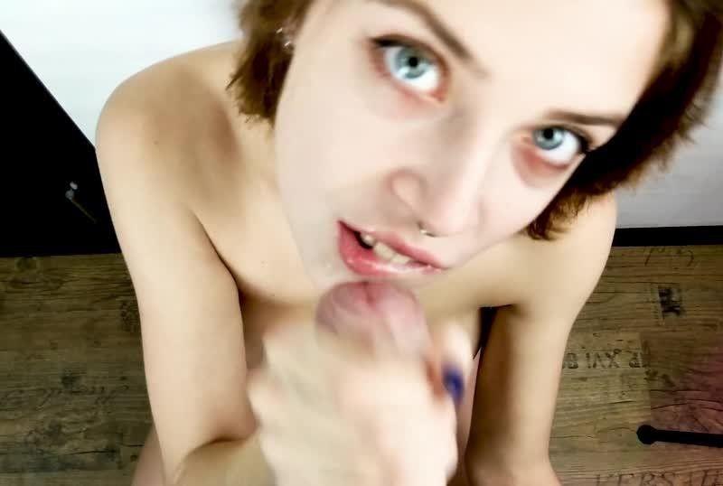 MihaNika69 - 穿着内裤帮大屌男友口交