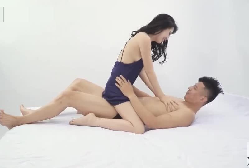 火爆网络自导自演酒店强J门女主沈樵亲身示范性爱