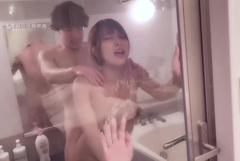 国産AV淫过年2021日版欧美玲 经典复刻重现首度日本跨国合作春咲凉