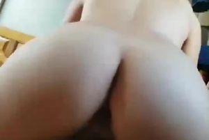 台湾某情侣啪啪啪自拍视频遭男背叛流出