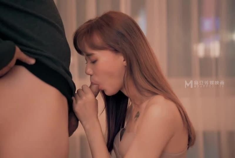 国産AV爱爱需要勇气 2021经典复刻情欲版勇气MV李文雯