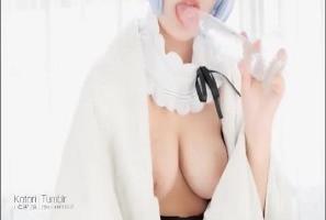 [大陆片]甭再找司机了,小鸟酱写真工作室高清全套都在这!两岸三地最火红的中国性爱视频 星奈奈小果酱cos 雷姆风骚玩塑胶肉棒 露出雪白巨乳勾人还不断吸吮那根棒